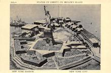 top017295 - Statue of Liberty Post Card