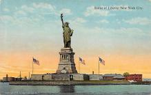 top017327 - Statue of Liberty Post Card