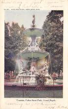 top017709 - Fountains Post Card
