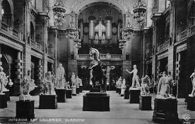 top026925 - Statues / Monuments Postcard