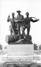 top027015 - Statues / Monuments Postcard
