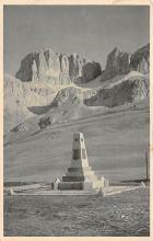 top027017 - Statues / Monuments Postcard