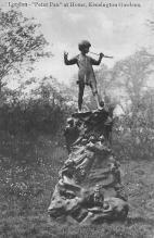 top027027 - Statues / Monuments Postcard