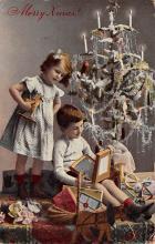 top027375 - Xmas Trees Post Card