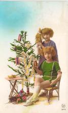top027397 - Xmas Trees Post Card