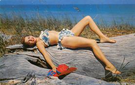 top027691 - Bathing Beauty Post Card