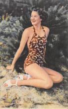 top028027 - Bathing Beauty Post Card