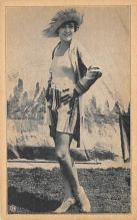 top028089 - Bathing Beauty Post Card