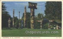 tot001006 - Virctoria B.C Canada, Thuderbird Park Totem Pole Postcard Post Card Old Vintage Antique