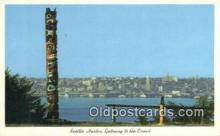 tot001007 - Seattle Harbor, Washington, USA Totem Pole Postcard Post Card Old Vintage Antique