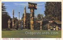 tot001045 - Indian Totem Poles, Thunderbird Park Victoria, BC, Canada Postcard Post Card