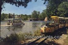 trn001098 - Candy Land Express And River Boat, Santa's Village, Braqcebridge, Muskoka Trains, Railroads Postcard Post Card Old Vintage Antique