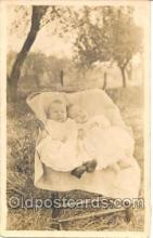 twn001005 - Twin Twins Postcard Postcards