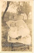 twn001005 - Twin Twins Postcard Postcards