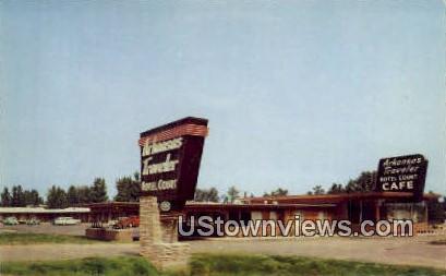 Arkansas Traveler Hotel Court - Little Rock Postcard