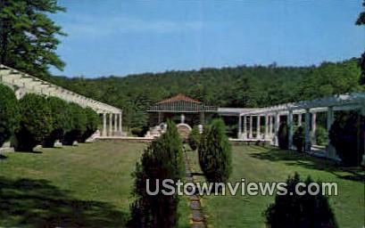 Mountain Valley Mineral Water Spring - Hot Springs, Arkansas AR Postcard