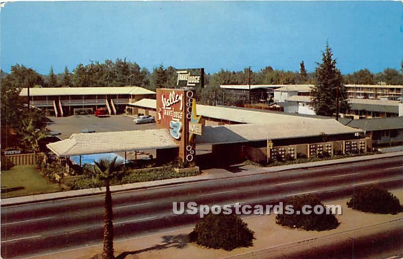 Valley Travelodge - Bakersfield, California CA Postcard