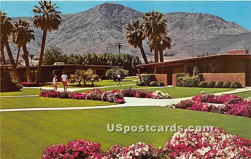 Bungalows, Thunderbird Country Club - Palm Springs, California CA Postcard