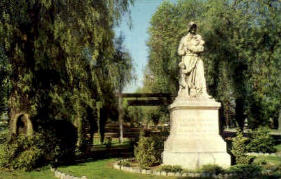 The Madonna of the Trail - Upland, California CA Postcard