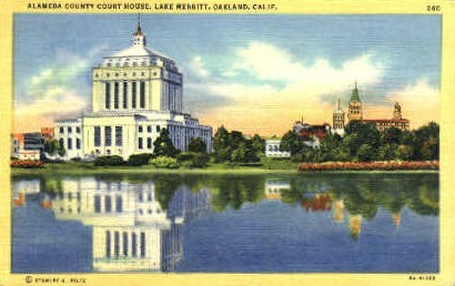 Alameda Couty Court House - Oakland, California CA Postcard