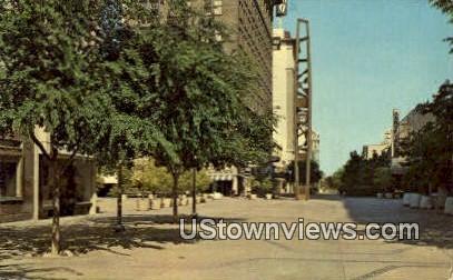 Fresno's Mall - California CA Postcard