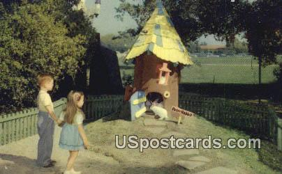 Peter Rabbit - Oakland, California CA Postcard