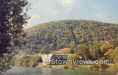 Kent School, Housatanic River - Connecticut CT Postcard