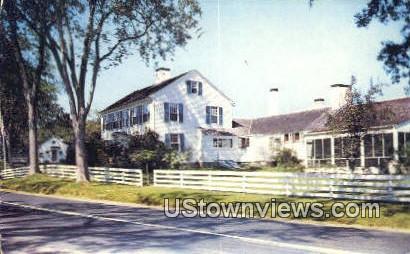 Country Squire Restaurant & Shop - Killingsworth, Connecticut CT Postcard