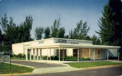 Kiwanis Hall - Bradenton, Florida FL Postcard