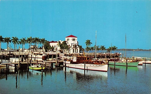 Colorful Memorial Pier Bradenton, Florida Postcard