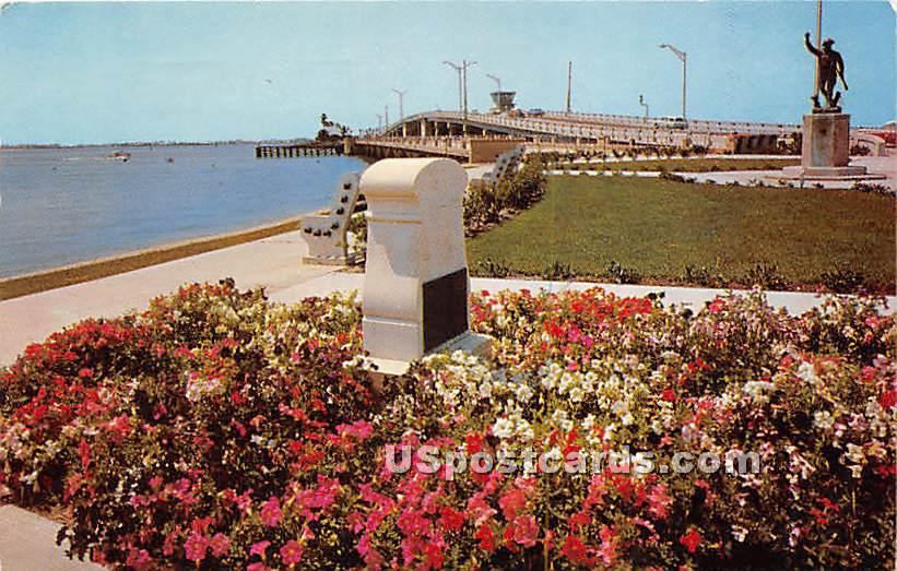 Memorial Park - Clearwater, Florida FL Postcard