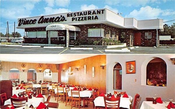Vince Anna's Restaurant Clearwater, Florida Postcard