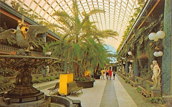 The Entrance Mall in Kapok Tree Inn Clearwater, Florida Postcard