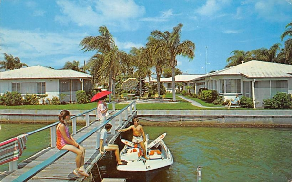 East Shore Motel Apartments Clearwater Beach, Florida Postcard