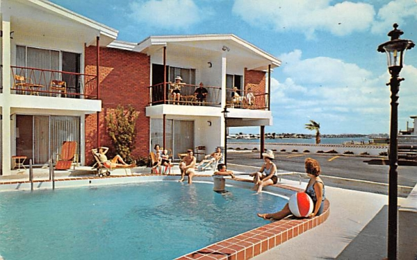 The D U N E S Motel and Apartment Clearwater Beach, Florida Postcard