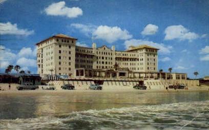 Daytona Beach Plaza - Florida FL Postcard