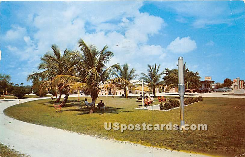 Farmer in the Dell Motel - Delray Beach, Florida FL Postcard
