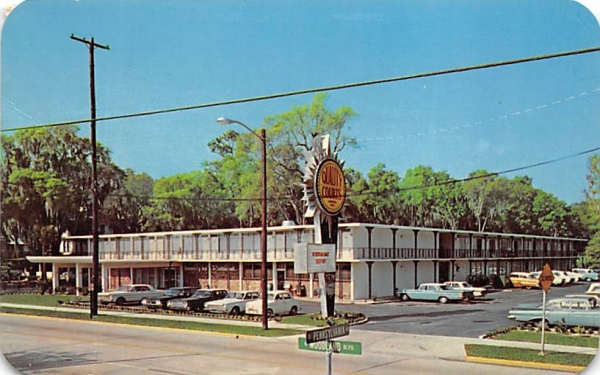 Quality Courts Motel and University Inn Restaurant De Land, Florida Postcard