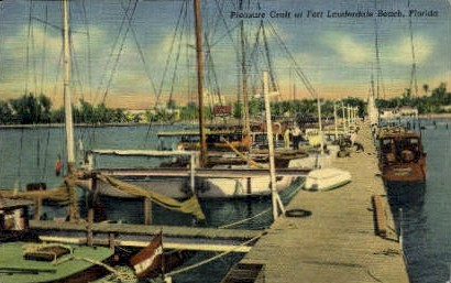 Pleasure Craft - Fort Lauderdale, Florida FL Postcard
