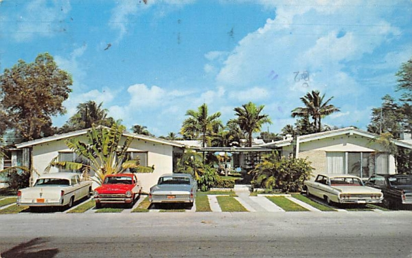 The Fond de Lac Apartments Hollywood, Florida Postcard