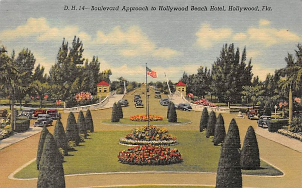 Boulevard Approach to Hollywood Beach Hotel Florida Postcard