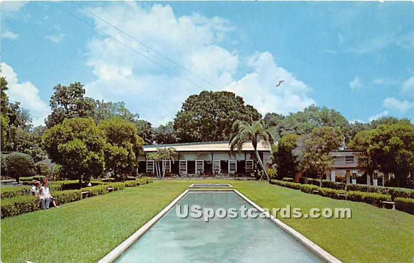 Civic Center Building - Leesburg, Florida FL Postcard