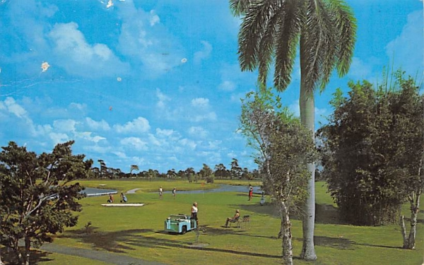 The Beach Club Hotel Naples, Florida Postcard