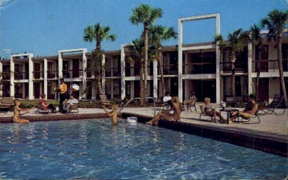 Sheraton-Parkway Inn - Orlando, Florida FL Postcard