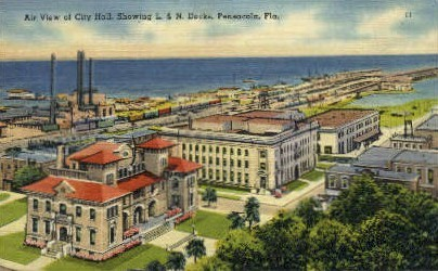 L. and N. Docks - Pensacola, Florida FL Postcard