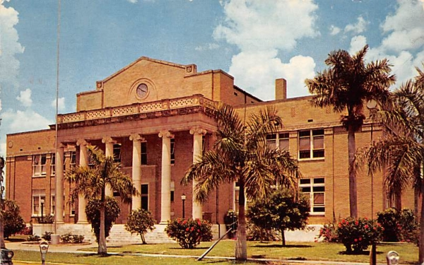 The Charlotte County Court House Punta Gorda, Florida Postcard