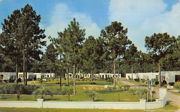 61 Units, Perry Motor Court Florida Postcard