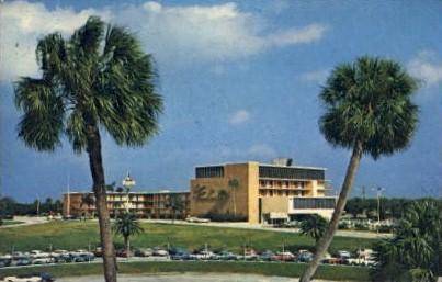 Cypress Gardens-Sheraton Motor Inn - Florida FL Postcard