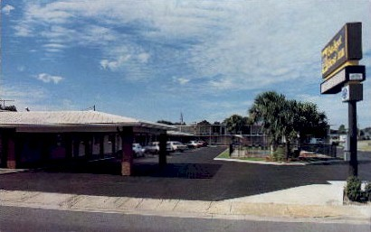 Budget Host Inn - Leesburg, Florida FL Postcard