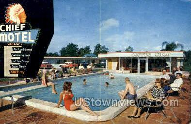 Chief Motel - St Petersburg, Florida FL Postcard